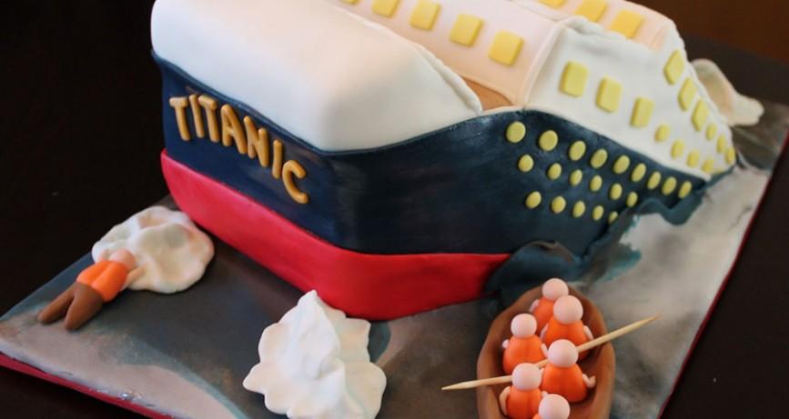 Bolos em formato de Transformer e Titanic. Saiba mais sobre o Cake Boss